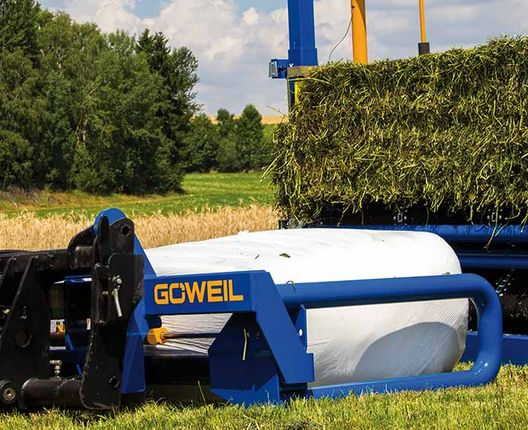 The special shape of its gripper arms ensures that the bales are clamped gently.