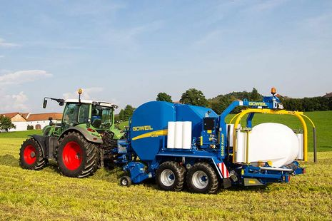 The G-1 F125 Kombi simultaneously combines the worksteps of baling and wrapping.
