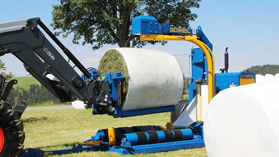 "The work steps ""wrap bale"" and ""stack bale"" can be executed simultaneously."