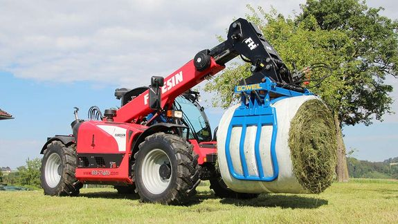 The short and slender design keeps the center of gravity close to the loader.