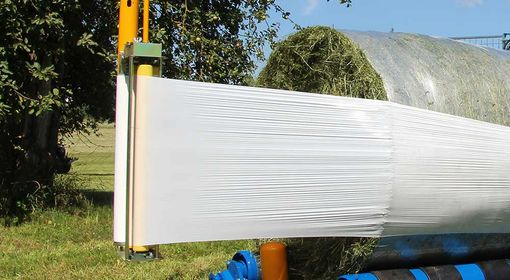 The bales are packaged in a fast, clean and air-tight manner.