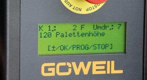 The G1010 pallet wrapper is equipped with the PROFI program control.