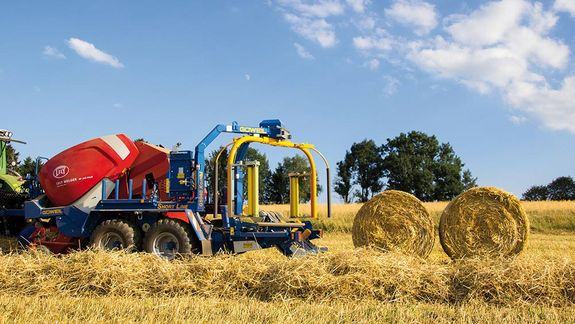 Bales can be dropped in pairs to allow for convenient removal.