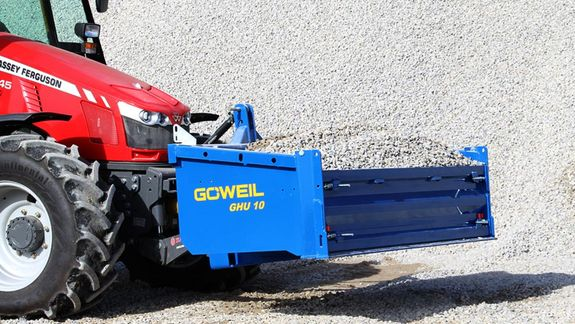 Göweil's high dump bucket owes its exceptional sturdiness to the welded-on scraper bar made from HARDOX 500.