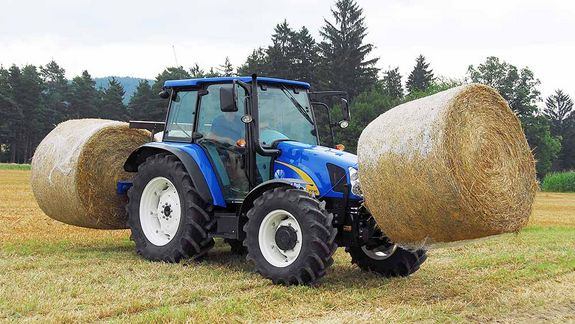The TDE makes the chore of loading and transporting round bales completely effortless.