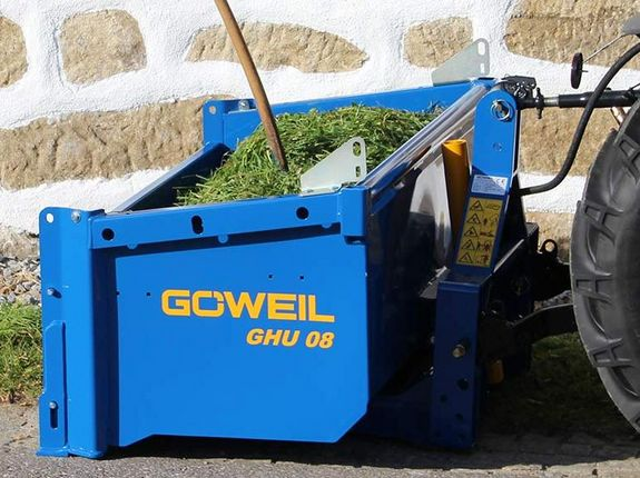 The high dump bucket GHU 08 for transporting grass