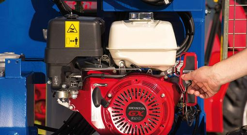 8.2 kW Honda gasoline engine including battery, generator and electric starter as well as hydraulic system