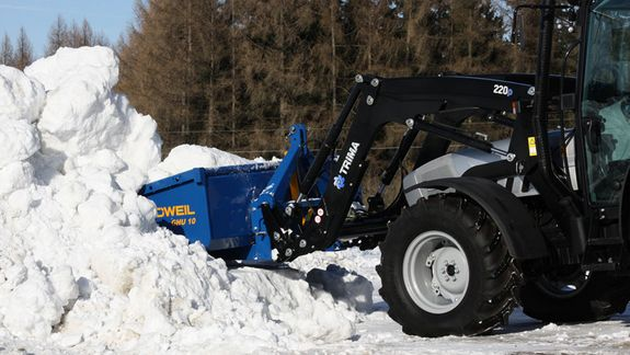 The GHU 10 proves equally useful when used for tasks common in the winter time, e.g. snow clearing.